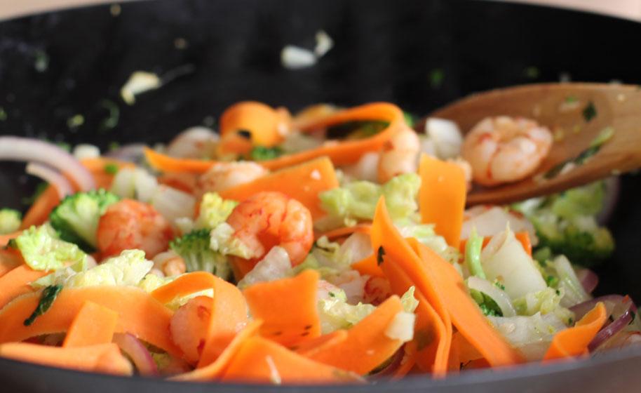 C mo cocinar con wok lecuiners - Cocinar con wok en vitroceramica ...