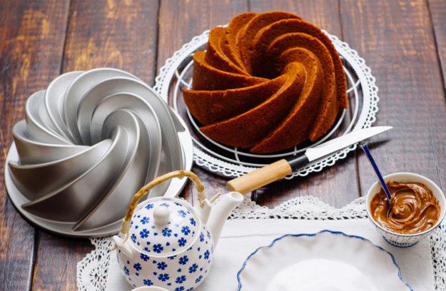 Receta paso a paso para hornear un bundt cake de dulce de leche