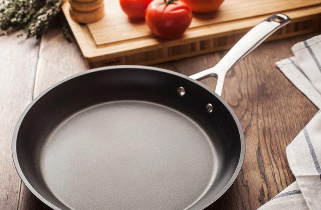 Cocinar con sartenes sin aceite qu modelos elegir for Cocinar wok sin aceite