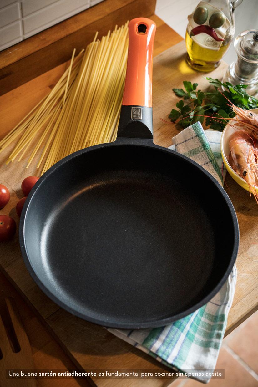 Sartenes para cocinar sin aceite lecuiners for Cocinar wok sin aceite