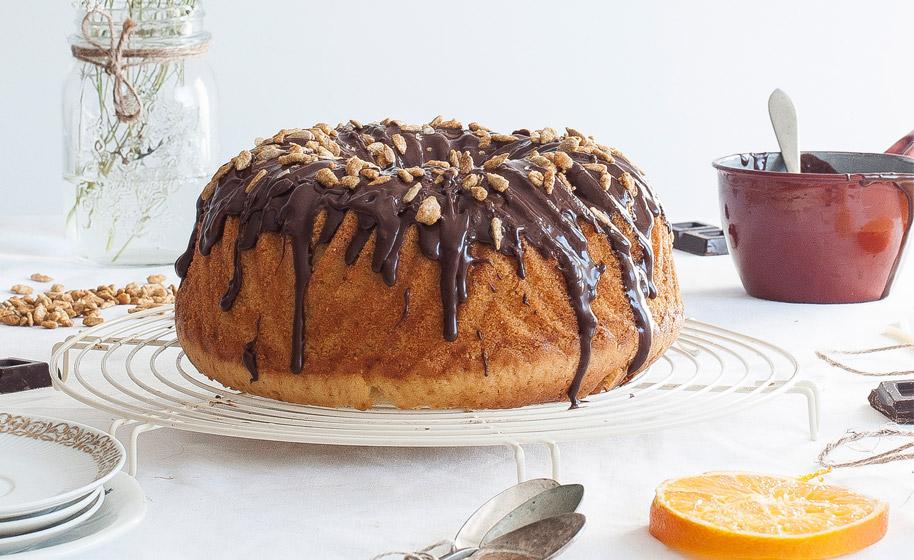 Bundt Cake de naranja, chocolate y pipas | Lecuiners