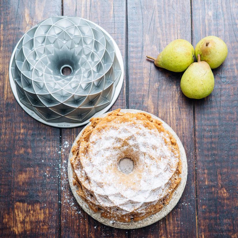 Resultado final: un bundt cake de pera fantástico