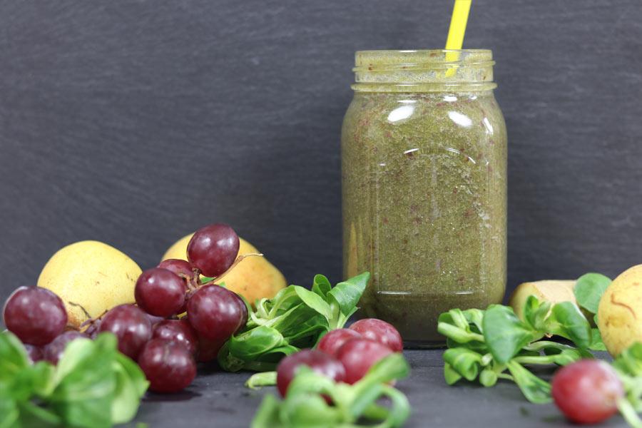 Así queda el smoothie de pera y uva