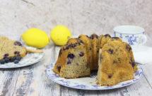 Bundt cake limón con arándanos