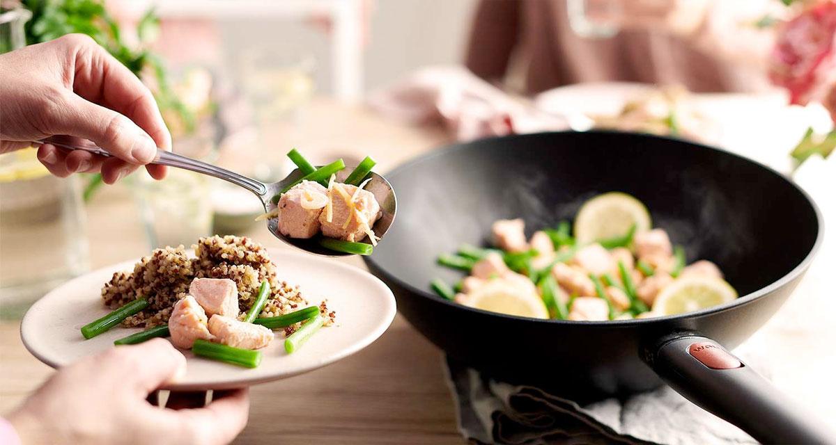 Cocinando con un wok Eco LIte de Woll